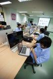 W szkole wyższa w Bangkok, ucznie w komputer klasie Zdjęcie Stock