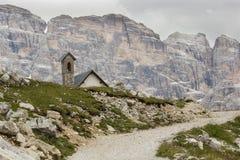 W Tre halny ślad Cime Di Lavaredo, Włochy. Zdjęcia Stock