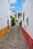 W ulicach malowniczy miasteczko Obidos, Portugalia obrazy royalty free