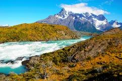 W-viaggio del parco nazionale di Torres del Paine Fotografia Stock