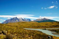 W-viaje del parque nacional de Torres del Paine Imagen de archivo libre de regalías