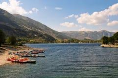 W Włochy jeziorny Scanno zdjęcia royalty free