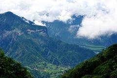W zamkniętym góra głęboki wierzchołek Fotografia Stock