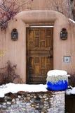 W zawiły sposób Ozdobny Drewniany drzwi w Santa Fe, Nowym - Mexico Fotografia Stock