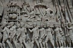 W zawiły sposób Tajlandzki cyzelowania malowidło ścienne - Tajlandia historia Obrazy Stock