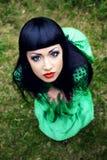 W zieleni sukni piękna kobieta Obraz Royalty Free