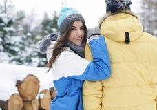 W zima kochająca para Zdjęcia Royalty Free