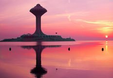 Waßerturm am Sonnenaufgang Stockfotografie
