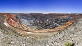 WA SUper Pit Panorama. Panorama of super fit gold mine in Kalgoorlie of Western australia with wide open pit underneath Stock Photo