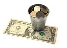 Waarde van emmer de Russische roebels op de bankbiljetbenamingen van  Royalty-vrije Stock Foto's