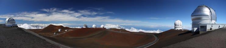 Waarnemingscentra in Mauna Kea (Hawaï) Stock Afbeeldingen