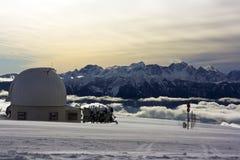 Waarnemingscentrum boven de wolk Stock Afbeeldingen