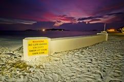 Waarschuw teken in de Maldiven stock fotografie