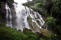 wachirathan瀑布, Inthanon国家公园风景,泰国 免版税库存图片