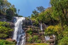 Wachirathan waterfal dans Doi Inthanon Photo stock