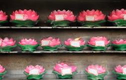 Wachs Lotus Flower Buddhist Prayer Candles Stockfoto