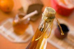 Wachsbolzen des gegorenen alkoholischen Getränkes stockbilder