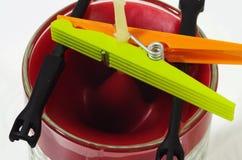 Wachsen Sie das Sinken auf Form ein - machen Sie Kerzen-Reihe in Handarbeit Stockfotos