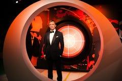 Wachsfigur von Daniel Craig als Mittel James Bonds 007 in Museum Madame Tussauds Wax in Amsterdam, die Niederlande Stockfotografie