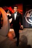 Wachsfigur von Pierce Brosnan als Mittel James Bonds 007 in Museum Madame Tussauds Wax in Amsterdam, die Niederlande Stockfotografie