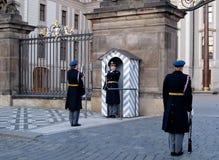 Wacht bij het Kasteel van Praag Royalty-vrije Stock Foto's
