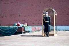 Wacht van eer bij het graf van de Onbekende Militair, Moskou, Rusland Stock Fotografie