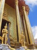Wachten van de tempel Wat Phra Kaew Stock Foto
