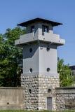 Wachturm im Konzentrationslager für Schutz stockbild