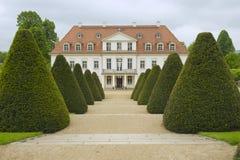 Wackerbarth城堡晚春,拉德博伊尔,德国 免版税库存照片