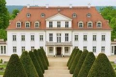 Wackerbarth城堡的外部在拉德博伊尔,德国 免版税库存照片