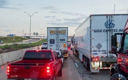 WACO, ΤΈΞΑΣ, ΗΠΑ - 1 Οκτωβρίου 2018 - οχήματα κόλλησε στο βαρύ tra στοκ φωτογραφία με δικαίωμα ελεύθερης χρήσης