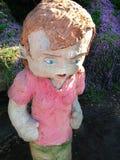 Waddayalookinat na escultura pelo mar Fotos de Stock Royalty Free