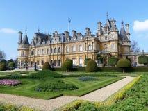Waddesdonmanor een buitenhuis en tuinen tussen 1874 en 1889 voor Baron Ferdinand de Rothschild wordt gebouwd dat stock foto's
