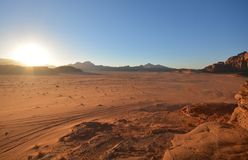 Wadi-ρούμι ερήμων, ηλιοβασίλεμα, Ιορδανία στοκ εικόνες με δικαίωμα ελεύθερης χρήσης