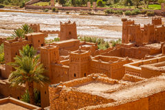 Wadi Asuf Ounia κάτω από το Ksar Ait Ben Haddou Στοκ φωτογραφία με δικαίωμα ελεύθερης χρήσης