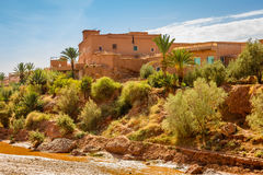 Wadi Asuf Ounia pod Ksar Ait Ben Haddou Zdjęcie Royalty Free