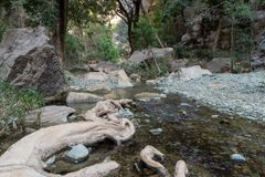 Wadi Lajab nella provincia di Jizan, Arabia Saudita fotografia stock libera da diritti