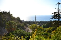 Wadi Lotem och Siah i Haifa Kababir och sikt av medelhavet israel arkivbild