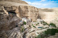 Wadi Qelt στην έρημο Judean γύρω από το ορθόδοξο μοναστήρι του ST George στοκ φωτογραφία