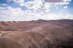 Wadi Qelt no deserto de Judean em torno de St George Orthodox Monastery foto de stock