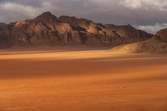 Free Wadi Rum Desert Landscape In Cloudy Day, Jordan, Middle East Royalty Free Stock Photography - 137993717