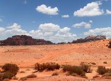 Wadi Rum Desert --sydlig Jordanien 60 km till öst av Aqaba Royaltyfria Bilder