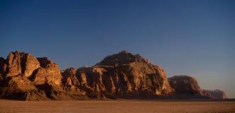 Wadi Rum Jordan Desert Evening en el mejor desierto de Asia fotos de archivo libres de regalías
