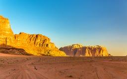 Wadi Rum ökenlandskap - Jordanien Arkivfoton
