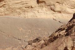 Wadi Rum petroglyphs, Jordanien Royaltyfria Bilder