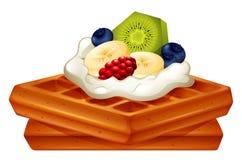 Wafel met room en vruchten Stock Afbeelding