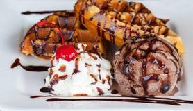 Waffle десерта мороженого Стоковая Фотография RF