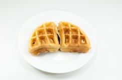 Waffle на белом блюде на белой предпосылке стоковые изображения