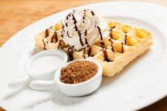 Waffle belga com chantiliy Fotografia de Stock