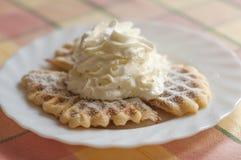 Waffle com creme chicoteado Imagem de Stock